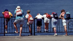 Beim Wandern mit den kleinen sollte eine Schnipseljagd integriert werden, um für Abwechslung zu sorgen