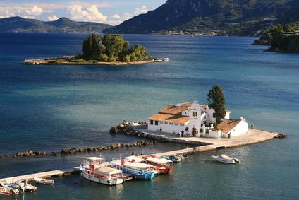 Die griechischen Insel Korfu und Kreta gelten als besonders attraktiv für Urlauber, da Naturphänomen und Wandergebiete neben schönem Mittelmehrklima überzeugen