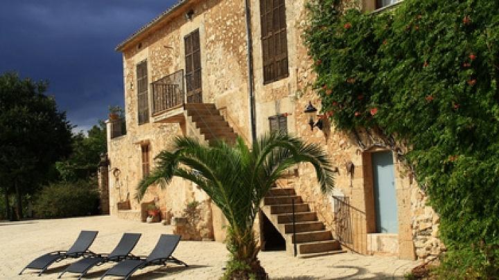 Ferienhaeuser auf Mallorca laden zur Pauschalreise ein