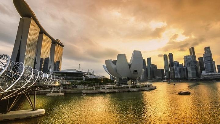 Singapure Skyline bei Sonnenuntergang