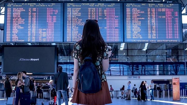 Umsteigeflüge: Stärkung von Fluggastrechten bei Verspätungen